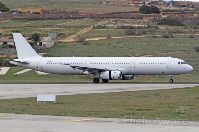 Airbus A321 (OY-RUU) - Landing rwy 36