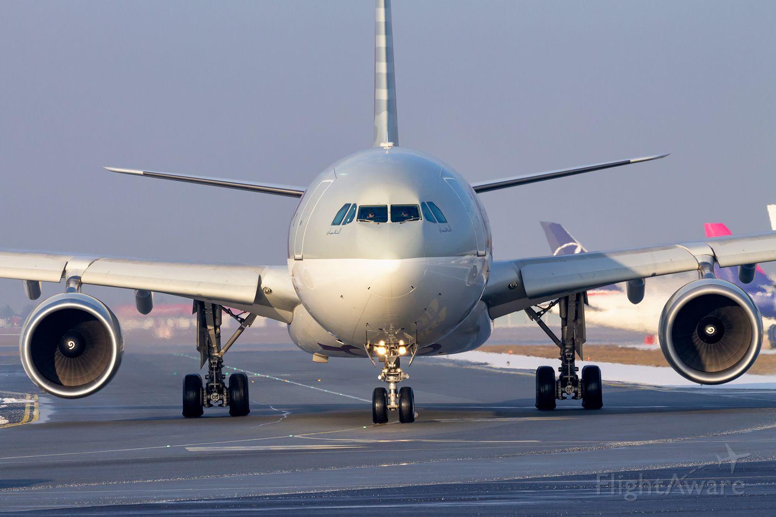 Airbus A330-300 (A7-AED) - A7-AED - Airbus A330-302 - Qatar Airways