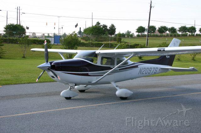 Cessna Skylane (N2097S)