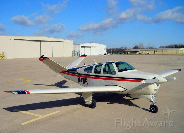 Beechcraft 35 Bonanza (N4WR)
