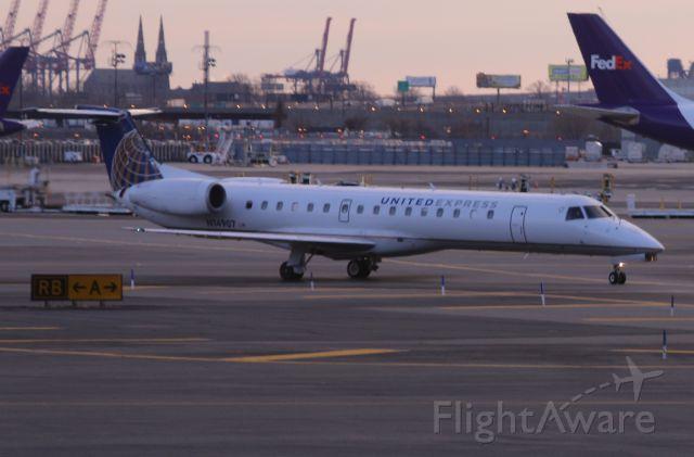 — — - United Express Embraer/145LR N14907 arriving EWR on Sunday 29 Jan