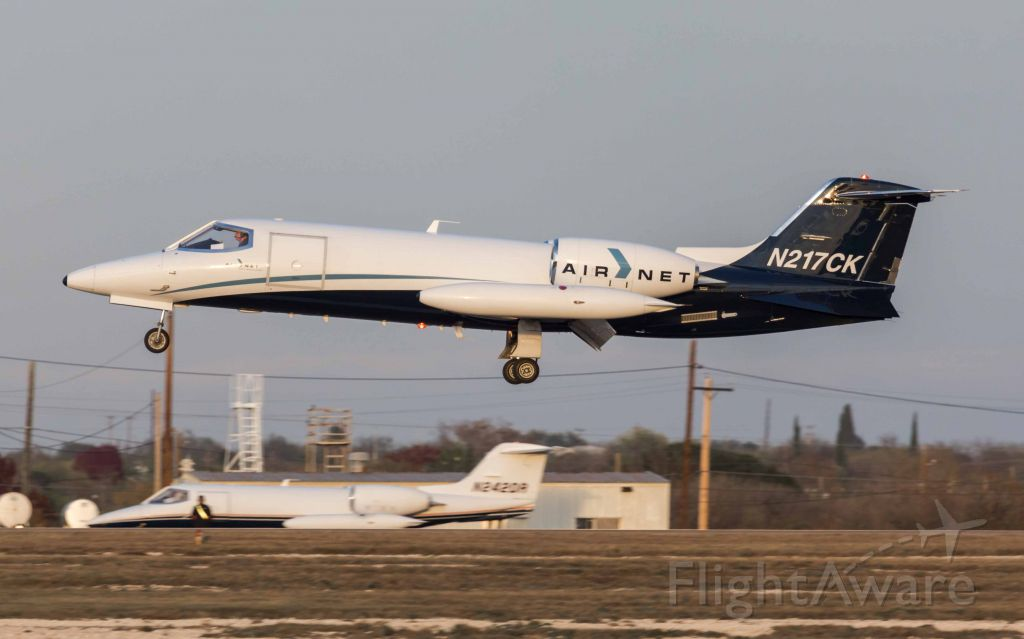 Learjet 35 (N217CK)