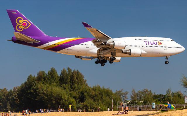 Boeing 747-400 (HS-TGA)