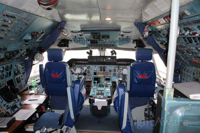Antonov An-12 (UR8027)