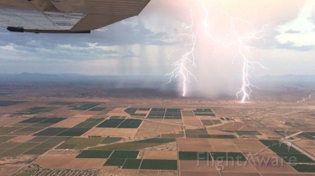 Cessna Skyhawk (N604ND) - Monsoon just outside of Phoenix.