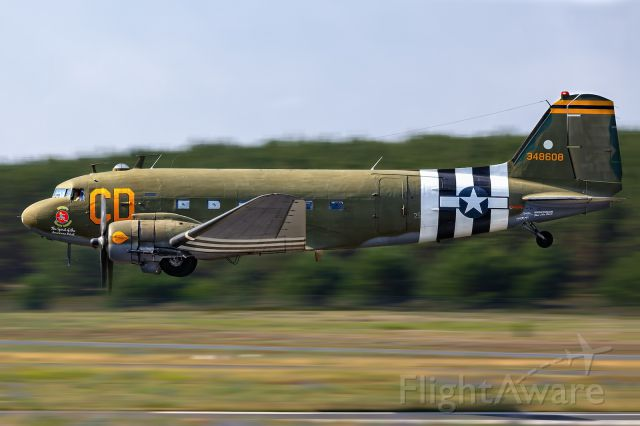 Douglas DC-3 (N47SJ)