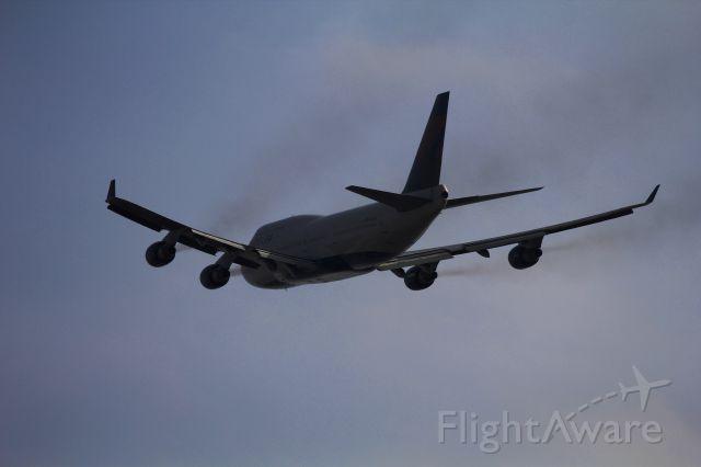 Boeing 747-200 (N662US)