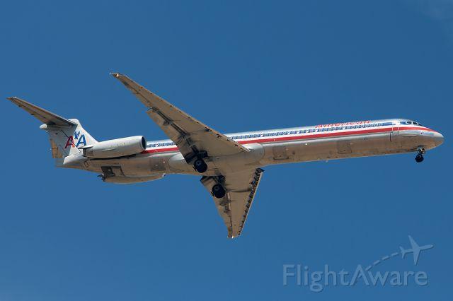 McDonnell Douglas MD-80 (N575AM)