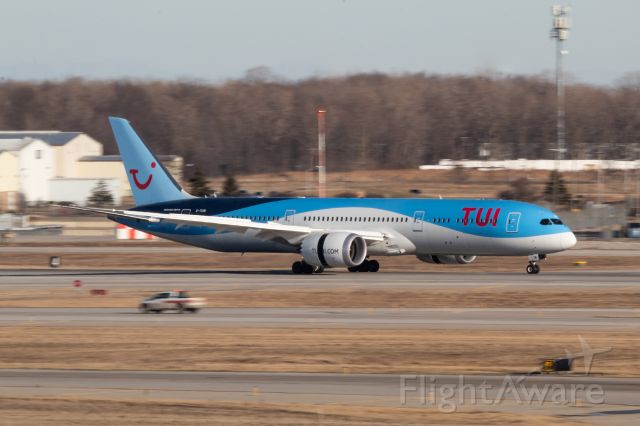Boeing 787-9 Dreamliner (G-TUIN) - TUI UK 787-9 slowing down on 21L after a flight from Stuttgart Germany to bring in car parts for GM.