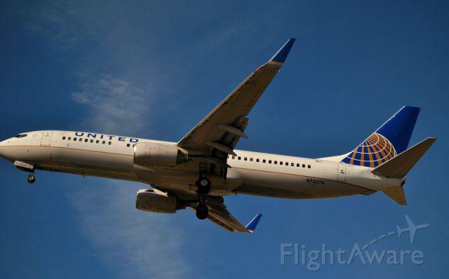 Boeing 737-800 (N73276)