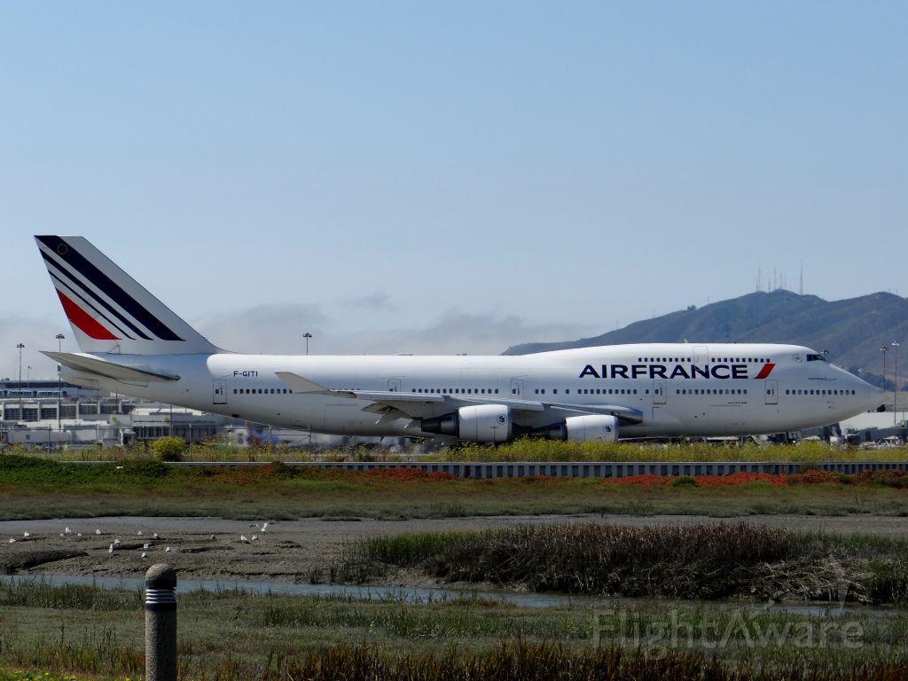 Boeing 747-400 (F-GITI) - Beautiful livery on the 744.