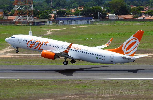 Boeing 737-800 (PR-GUD)