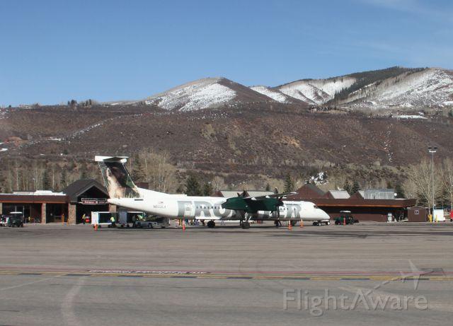 de Havilland Dash 8-100 (N502LX) - Aspen Colorado