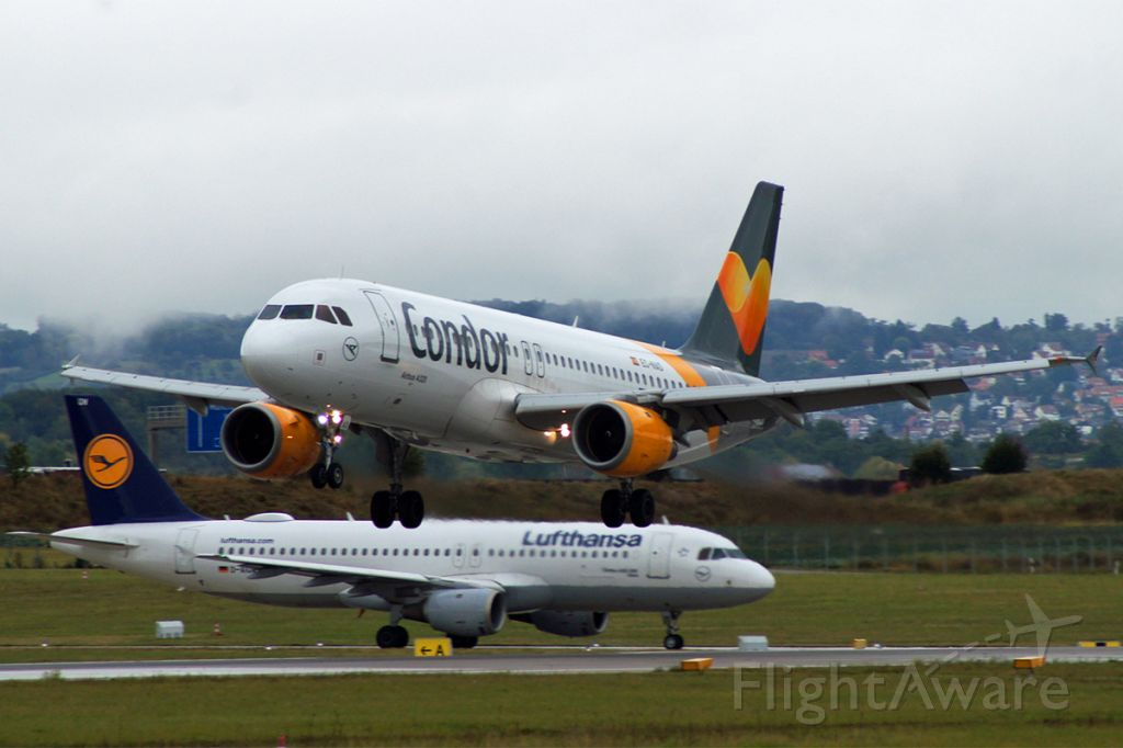 Airbus A320 (EC-NAD) - Airbus A320-212, Thomas Cook Airlines Balearics, EC-NAD, EDDS Airport Stuttgart-Manfred Rommel, 23.Sept.2019