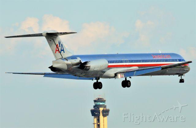 McDonnell Douglas MD-82 (N9622A)