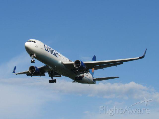 BOEING 767-300 (D-ABUZ)