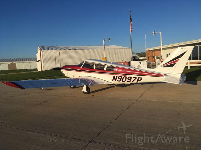 Piper Apache (N9097P)