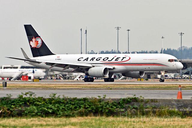 Boeing 757-200 (C-FGKJ)