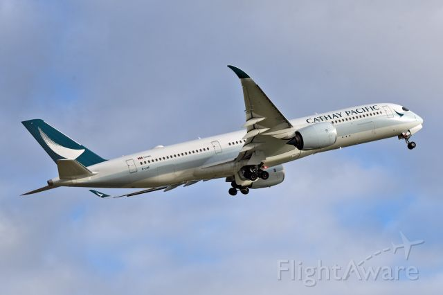 Airbus A350-900 (B-LRP)