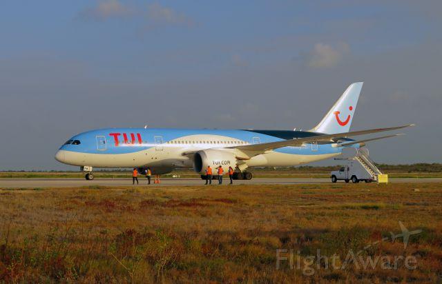 Boeing Dreamliner (Srs.8) (PH-TFK) - TFL393 arriving from EHAM at TNCB.