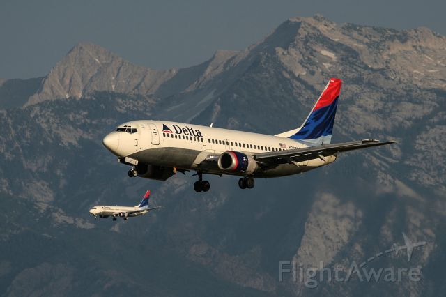 BOEING 737-300 (N3301) - Now scrapped