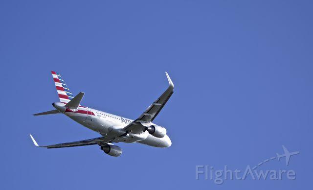 Airbus A319 (N9011P)