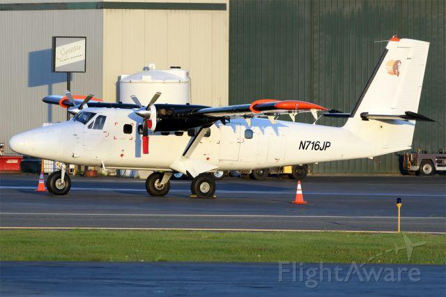 De Havilland Canada Twin Otter (N716JP)