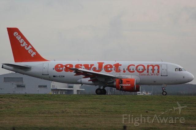 Airbus A319 (G-EZEW)