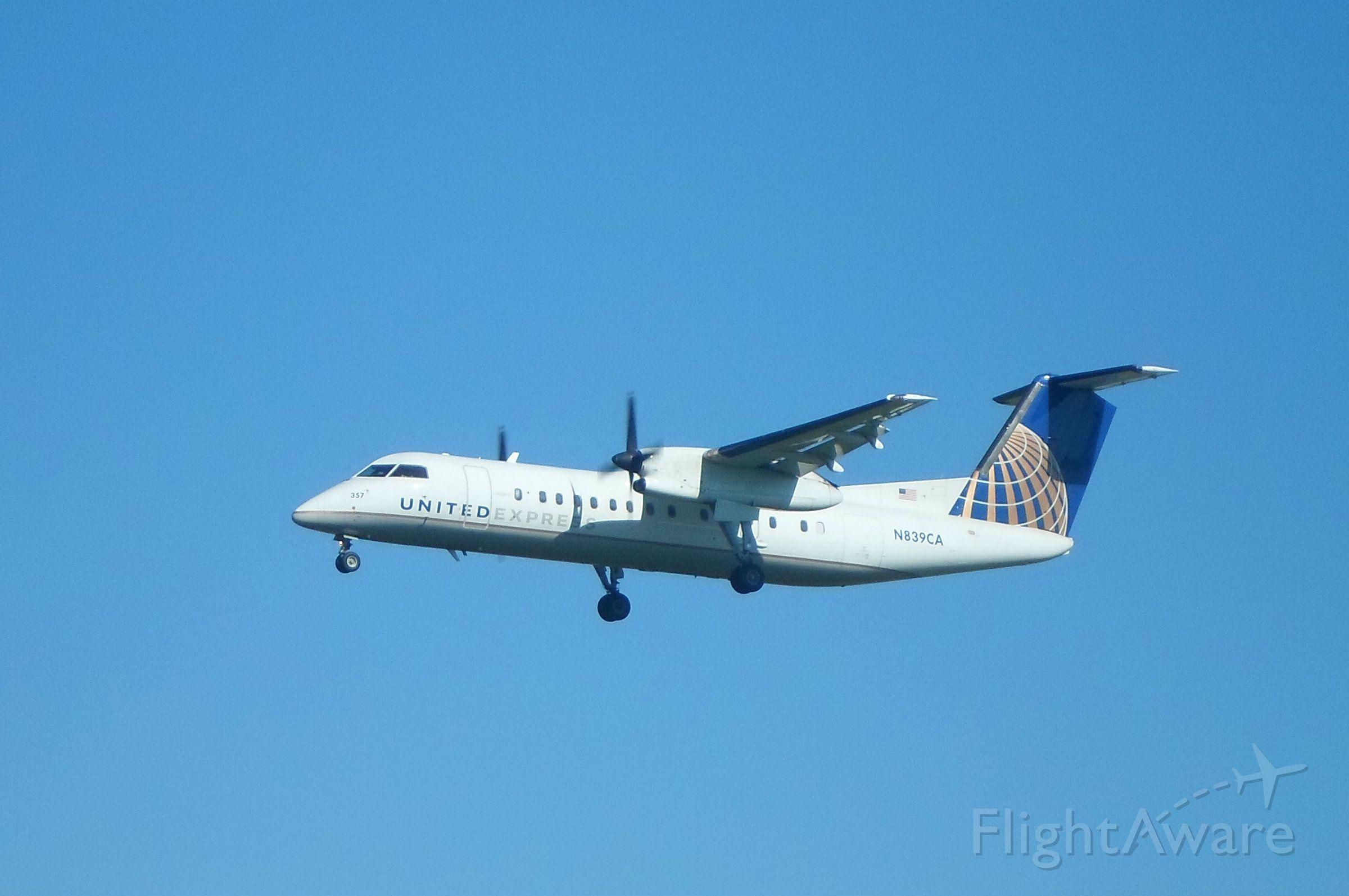 de Havilland Dash 8-300 (N839CA) - A United Express (Commutair) Dash 8 arrives at Albany International Airport on Runway 1.