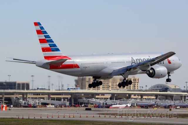 Boeing 777-200 (N799AN) - American - N799AN - B777-200 - Arriving KDFW 02/21/2014