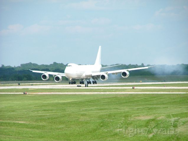 BOEING 747-8 (N6009F) - Boeing 747-8 performing touch-and-go at KGRR.