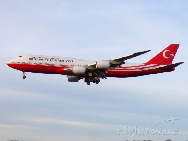 BOEING 747-8 (TC-TRK)