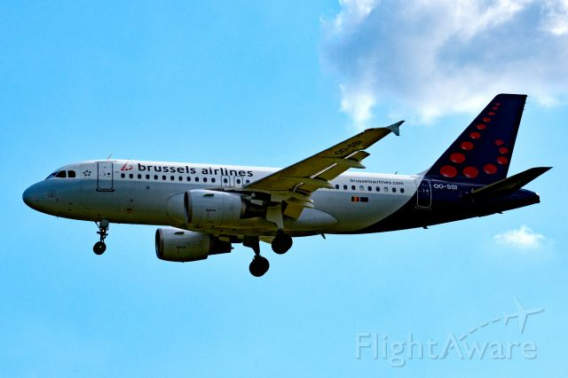 Airbus A319 (OO-SSI)