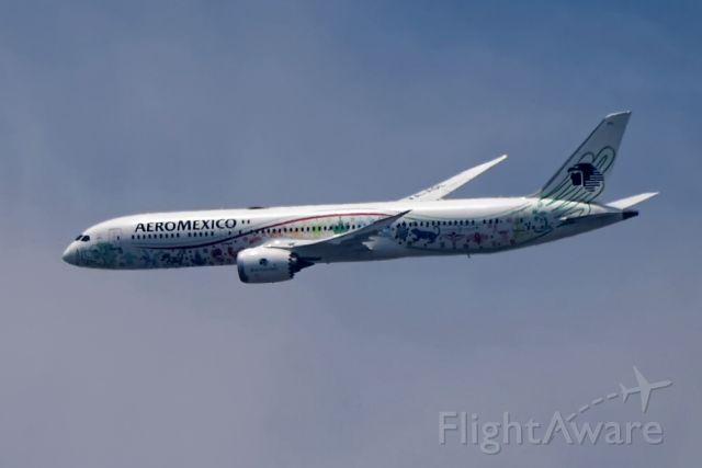 Boeing 787-8 (XA-ADL)