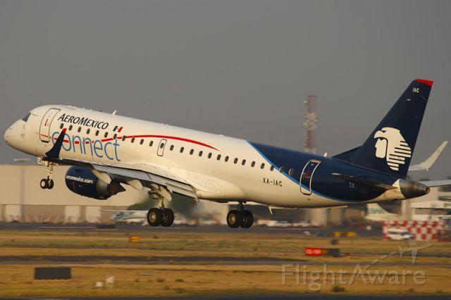 Embraer ERJ-190 (XA-IAC)