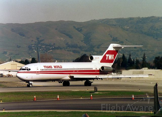 BOEING 727-200 (N54327) - KSJC - my favorite jet Boeing 727 for TWA rolls to 30 L for a noon departure to STL. I miss TWA - and it would be so cool to see Boeing 777-300 for TWA in this color scheme plying the Atlantic Skyway to LHR and Greece,