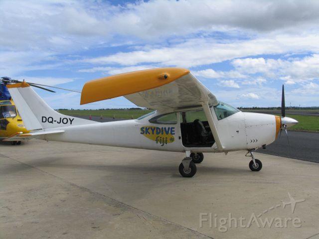 Cessna Skylane (DQ-JOY)
