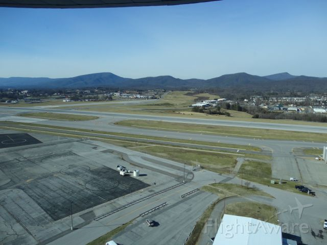 — — - Tour of the ROA control Tower. Looking at the intersection of 34/16 and 24/6