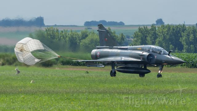 DASSAULT-BREGUET Mirage 2000 (N133IA) - DASSAULT MIRAGE 2000D s/n 650 133 IA FRENCH AIR FORCE EC 2/3 CHAMPAGNE using brake parachute for landing at VALENCIENNES PROUVY - July 14th 2014