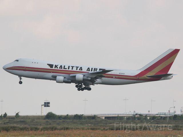 Boeing 747-200 (N704CK) - Kalitta Air (N704CK) in LEJ, coming from OBBI