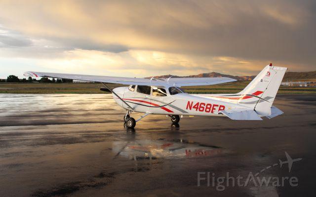Cessna Skyhawk (N468ER)