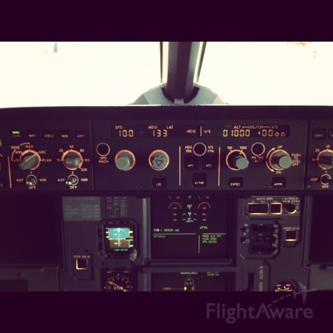 Airbus A320 (N625VA) - Thought I'll Take A Picture During Downtime.