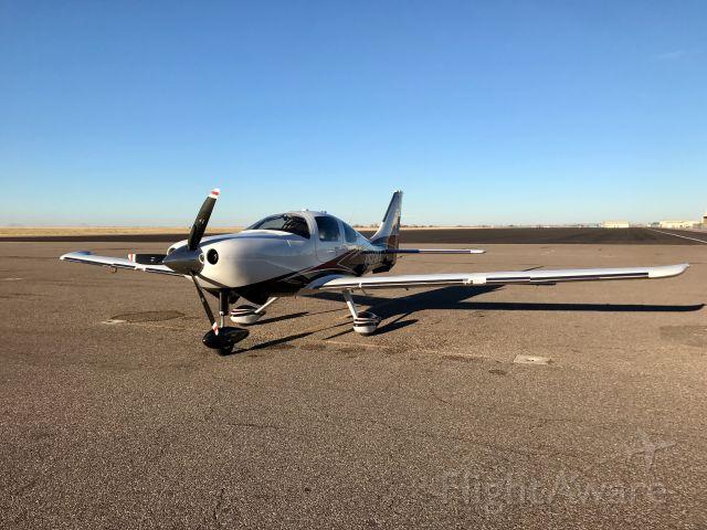 Cessna 400 (N523RA)