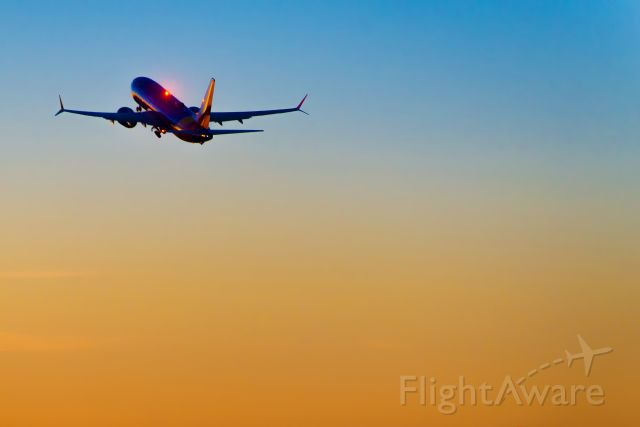 Boeing 737 MAX 8 (N8715Q) - With a nod to photographer Pete Turner and his incomparable