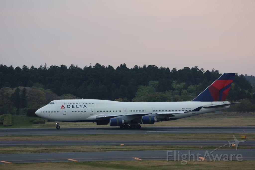 Boeing 747-400 (N669US)