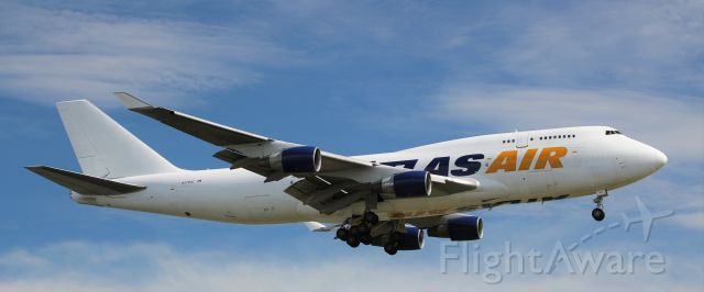 Boeing 747-400 (N471MC)