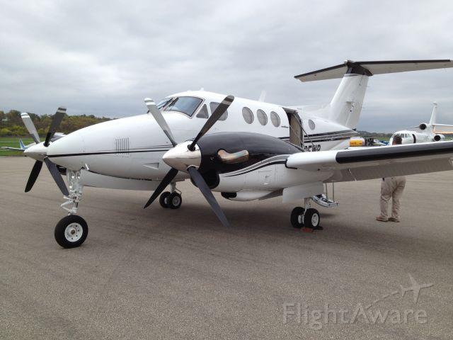 Beechcraft King Air 90 (N325WR)