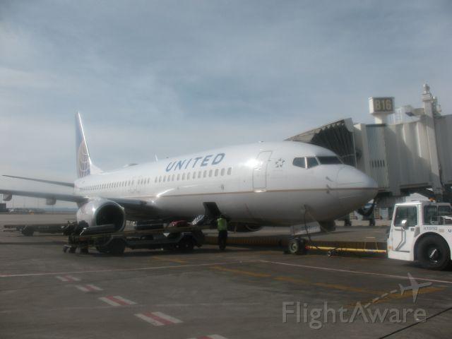 Boeing 737-800 (N37293)