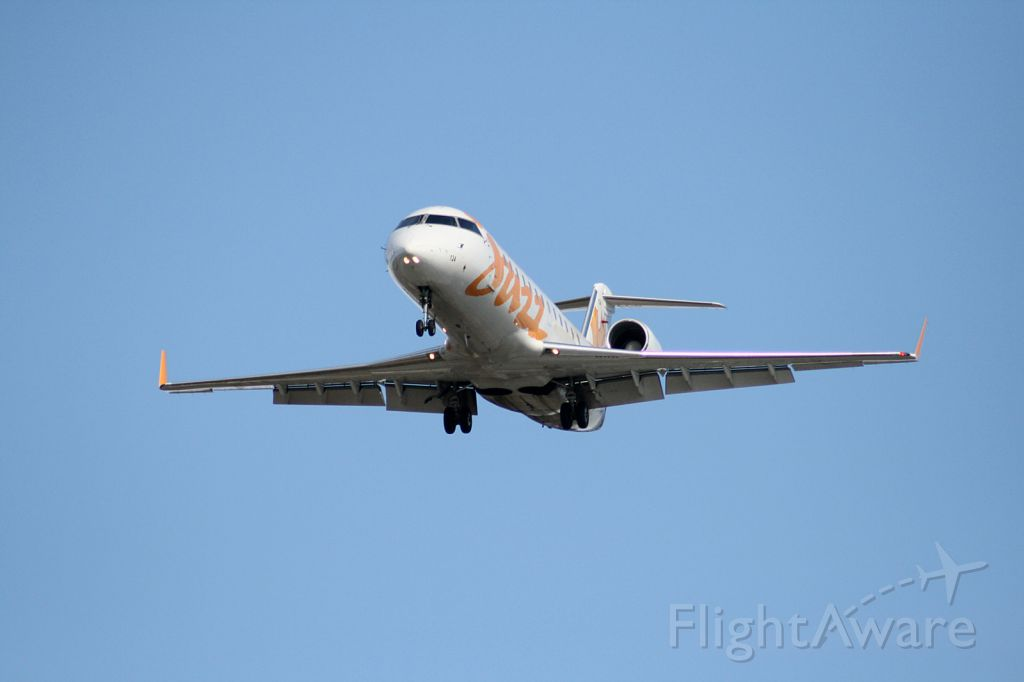 Canadair Regional Jet CRJ-200 (C-FXMY)
