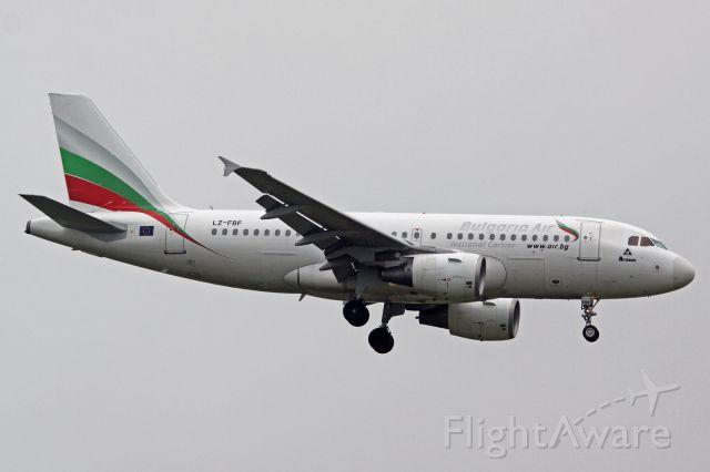 Airbus A319 (LZ-FBF)